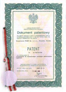 PATENT Urządzenie do bezpyłowego przesypu materiałów sypkich